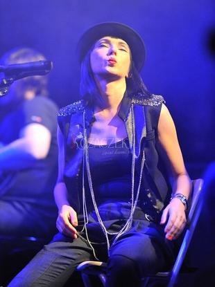 Zdjęcia Kasi Kowalskiej z akustycznego koncertu (FOTO)
