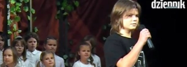 Najmłodszy Cugowski na scenie [VIDEO]