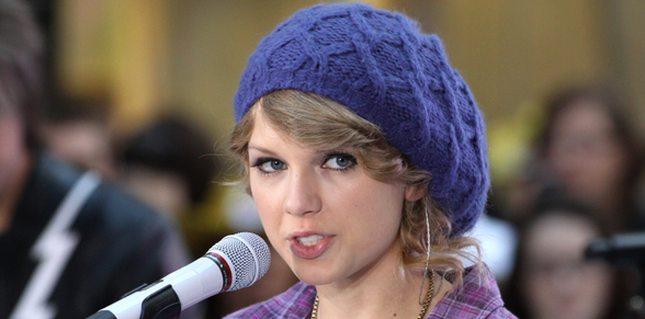 Taylor Swift w smerfetce, jako dziewczyna z sąsiedztwa FOTO