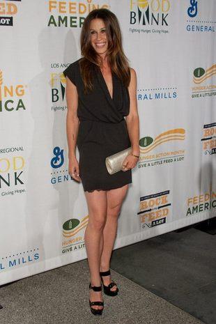 Alanis Morissette pokazała ciążowy brzuszek w bikini
