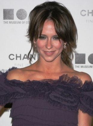 Jennifer Love Hewitt chyba nie spała poprzedniej nocy (FOTO)