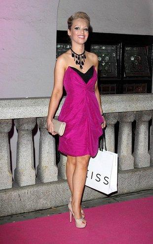 Poparzona kwasem Katie Pipe w roli modelki (FOTO)
