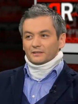 Robert Biedroń w kołnierzu ortopedycznym [VIDEO]