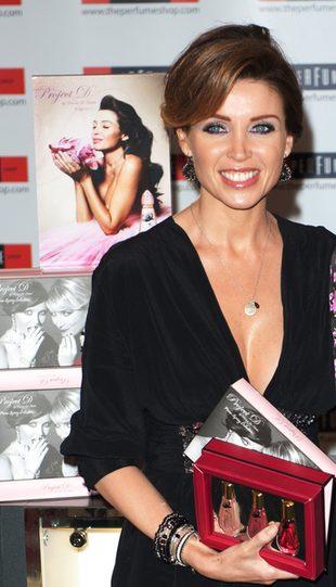 Dannii Minogue jest jak Herbuś… (FOTO)