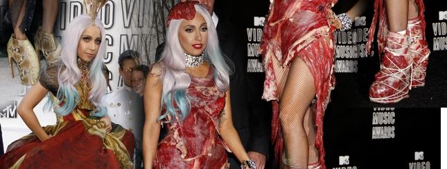 Lady Gaga w sukience z mięsa (FOTO)