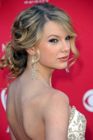 Taylor Swift malowała oczy markerem