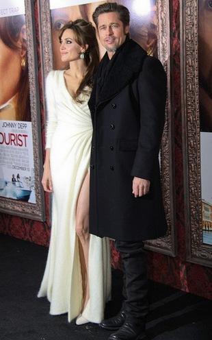 Angelina i Brad umacniają swój związek dzięki jodze