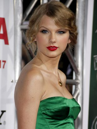 Szmaragdowa Taylor Swift (FOTO)