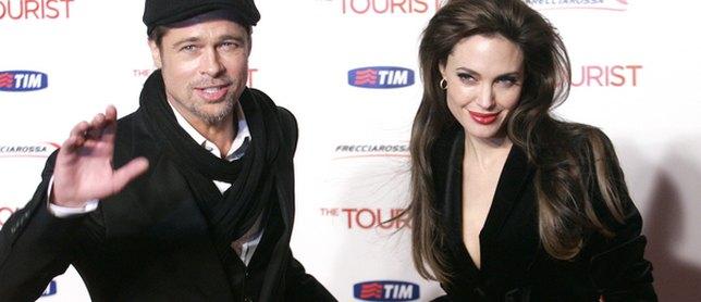 Angelina Jolie oblężona przez fanów (FOTO)