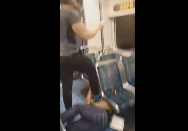 Polak BOHATEREM! Obezwładnił napastnika w pociągu
