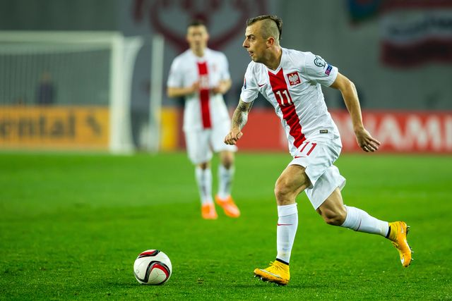 Kamil Grosicki i jego cieszynka w meczu z Armenią