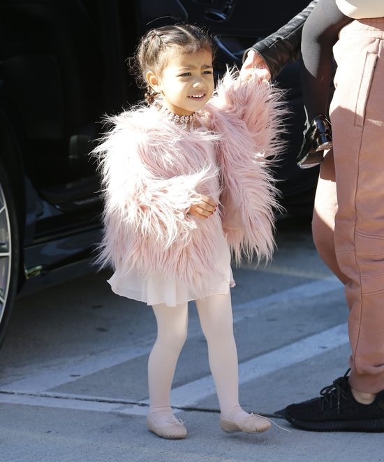 Siostry Kardashian s� z�e na Kanye Westa?