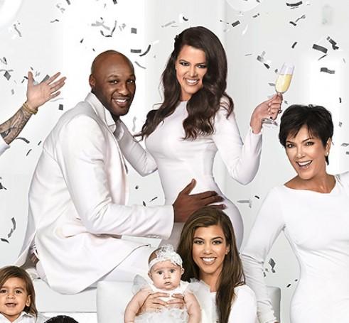Świąteczna kartka Kardashianów - przesadzona? (FOTO)
