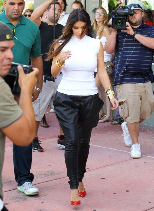 Kim Kardashian z przyjacielem oglądali skutery
