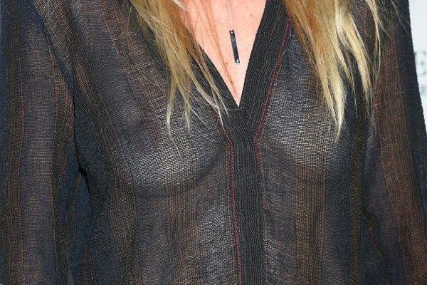 Która aktorka pokazała sutki na modowej gali? (FOTO)