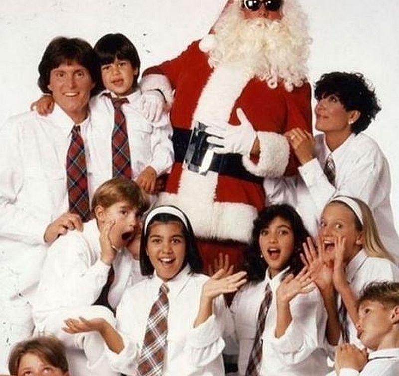 DRAMATYCZNY powód zerwania z tradycją świątecznej kartki Kardashianów