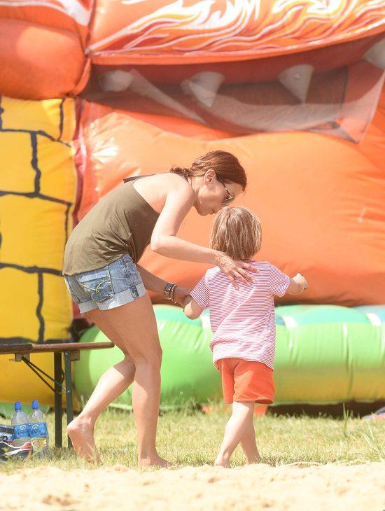 Katarzyna Glinka szczęśliwa z synkiem i z... (FOTO)