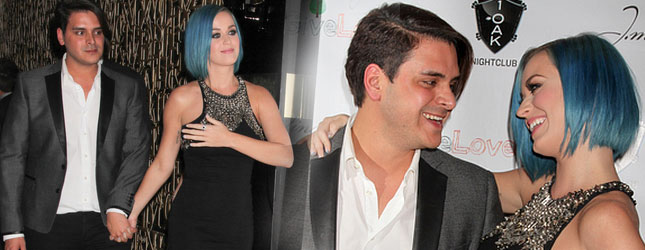 Niebieskowłosa Katy Perry flirtuje z aktorem (FOTO)