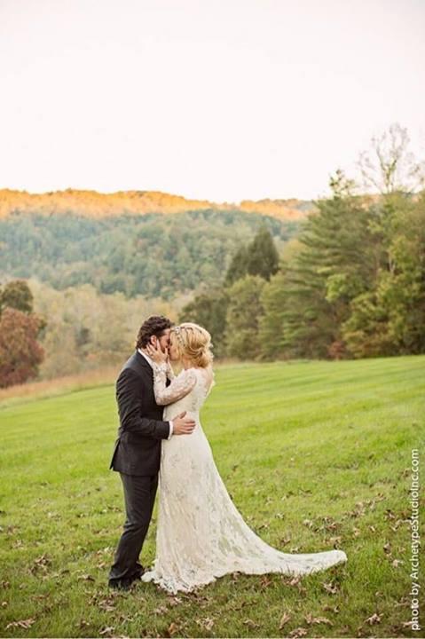 Mamy zdjęcia z sekretnego ślubu Kelly Clarkson (FOTO)