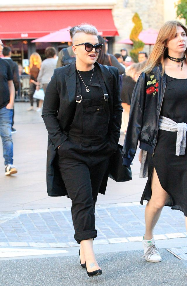 Lans na... CHOROBĘ? Kelly Osbourne UDERZYŁA w matkę sióstr Hadid