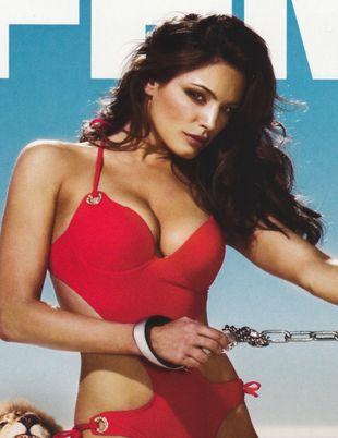 Kelly Brook i jej seksowne kształty na okładce FHM