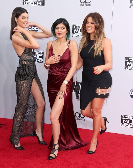 Kendall Jenner ZWALNIA mam�