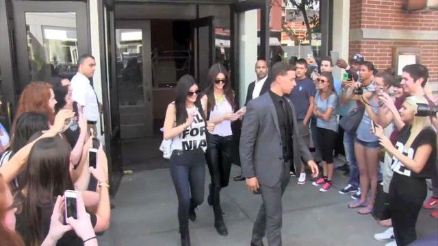 Kendall i Kylie Jenner promują swoją linię ubrań(FOTO+VIDEO)