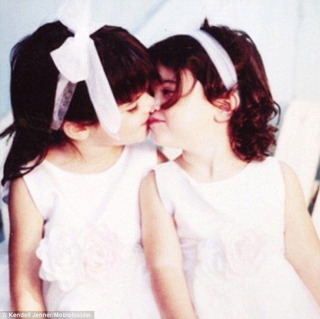 Ulubione zdjęcie z dzieciństwa Kendall i Kylie Jenner (FOTO)