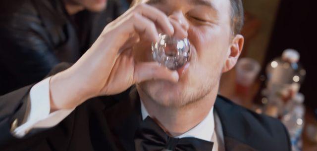 Na tym nagraniu Amber Rose wpycha palce w **** Kanye, a Leo pije w�dk�