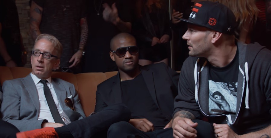 Na tym nagraniu Amber Rose wpycha palce w **** Kanye, a Leo pije wódkę