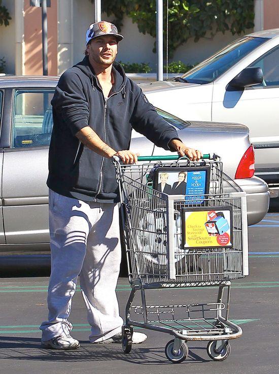 Kevin Federline w swoich ukochanych dresach (FOTO)