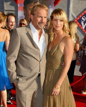 Kevin Costner został tatą po raz siódmy!