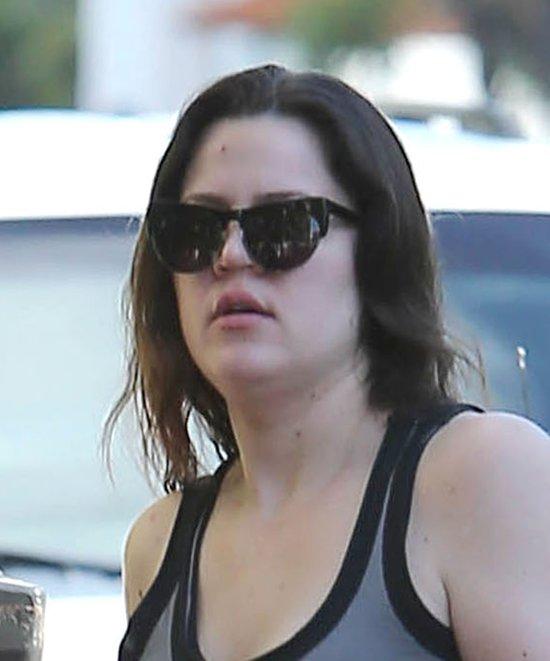 Khloe chowa twarz przez paparazzi (FOTO)