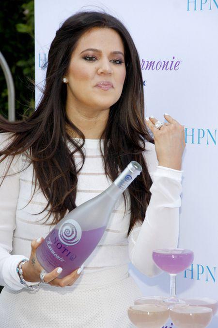 I gdzie ta ciąża Khloe Kardashian? (FOTO)