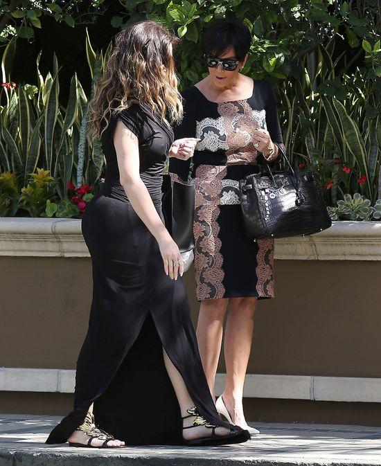 Khloe Kardashian te� ma sztuczn� pup�? (FOTO)
