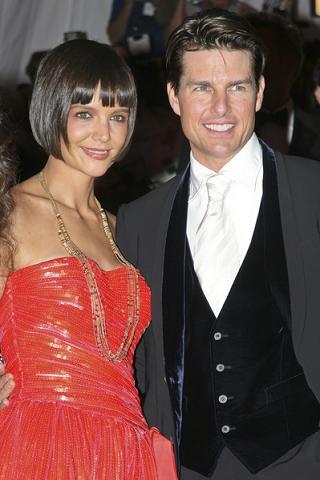 Dlaczego Katie Holmes wciąż jest z Tomem?