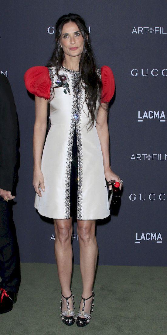 Demi Moore pokazała na filmie swoją sylwetkę i fani WARIUJĄ!