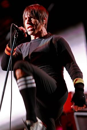 Anthony Kiedis ma problem z trupami