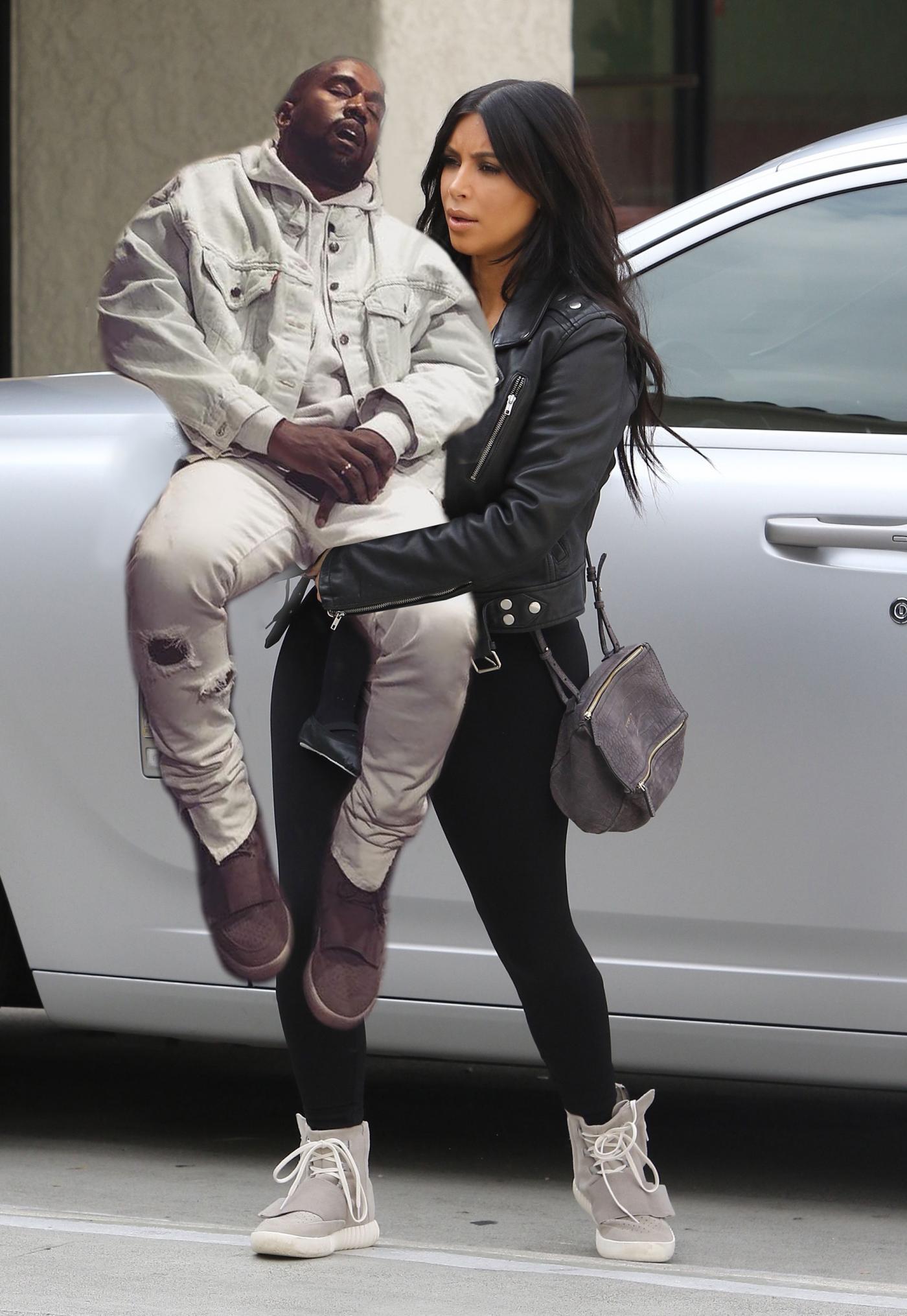 Kanye West usnął w galerii - internet śmieje się memami