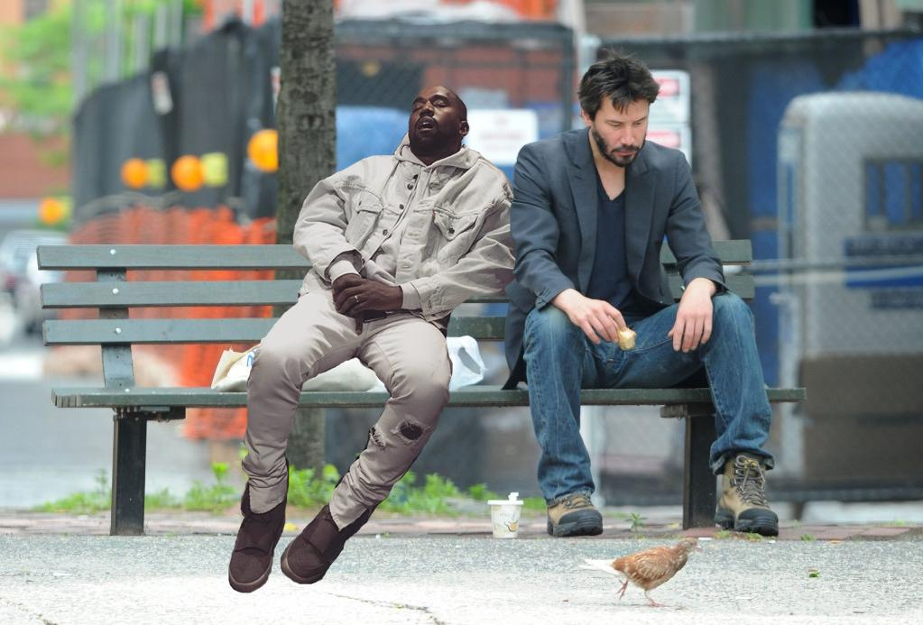Kanye West usn�� w galerii - internet �mieje si� memami
