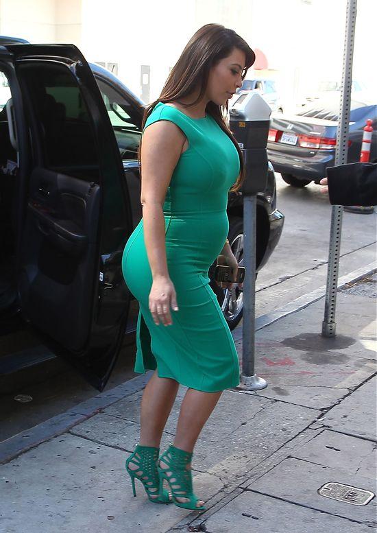 Czy Kim Kardashian pokaże się naga w ciąży na okładce?