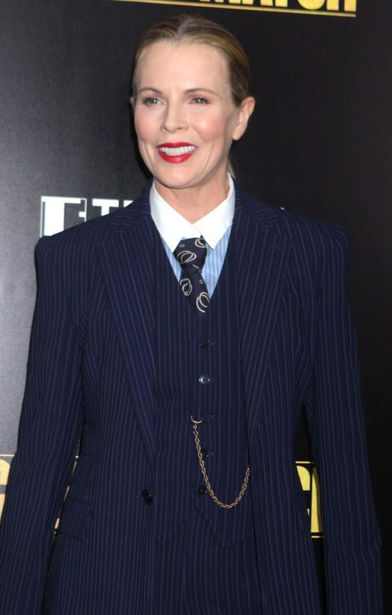 Coś niedobrego dzieje się z twarzą Kim Basinger (FOTO)