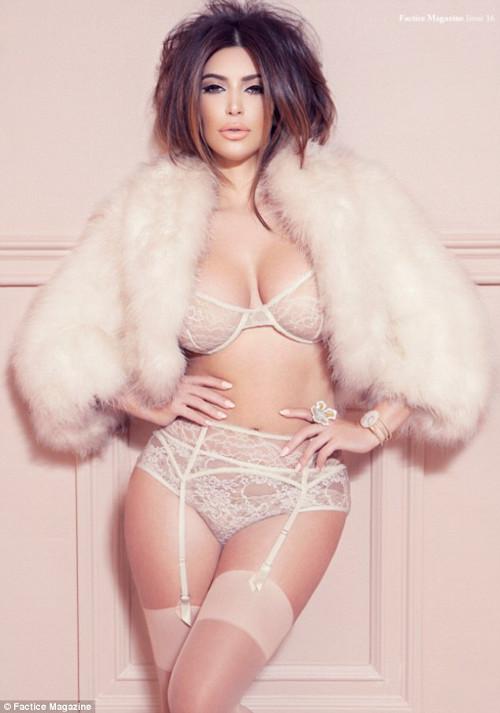Kim Kardashian w seksownej wersji (FOTO)