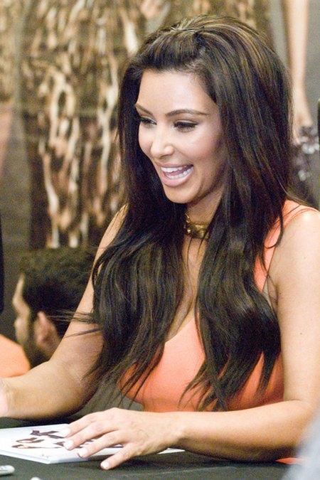Kim i Khloe Kardashian promują kolekcję (FOTO)