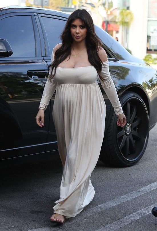 Kim Kardashian pokaza�a zdj�cie ci��owego brzuszka!