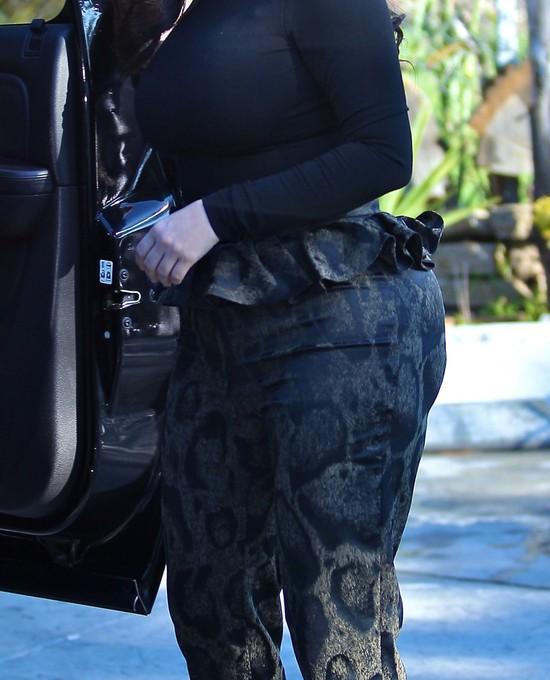 Kim Kardashian zalicza kolejną wpadkę (FOTO)