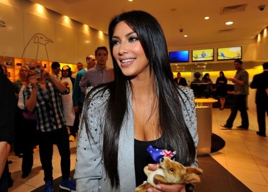 Dramat! Co NAPRAWDĘ kryje się za napadem na Kim Kardashian?