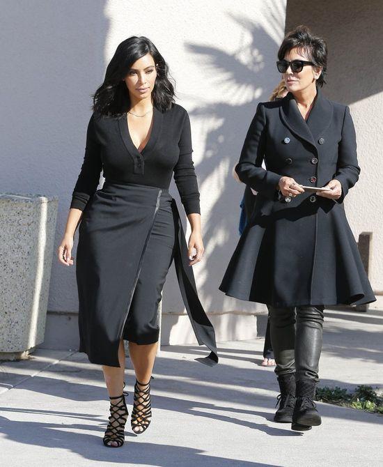 Kim Kardashian z dumą prezentuje nowa fryzurę (FOTO)