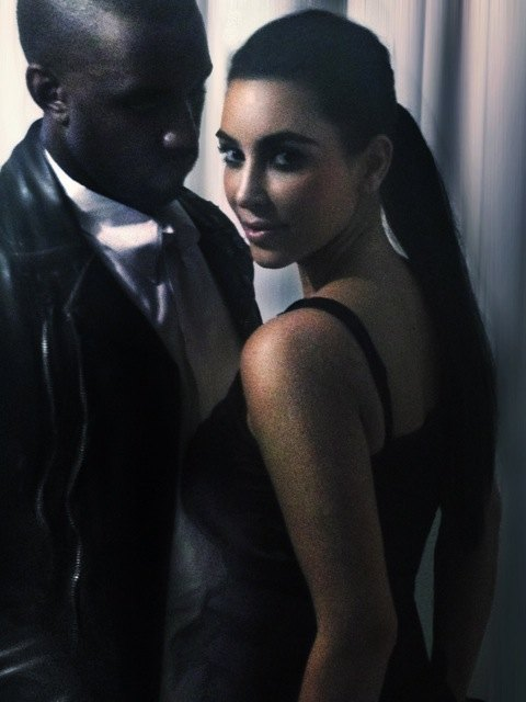 Kanye West doradza Kim Kardashian, jak ma si� ubiera�
