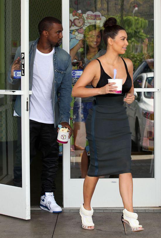Kanye West uprawiał seks z innymi oglądając seks-taśmę Kim